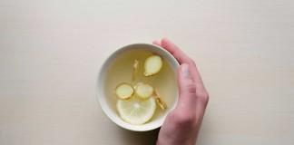 Descubre-los-increíbles-beneficios-de-beber-agua-con-limón-por-las-mañanas
