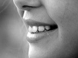 6 alimentos que perjudican tu salud dental