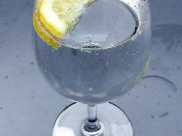 5 razones saludables para beber agua con gas
