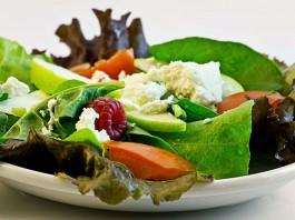 4 ensaladas saludables y divertidas para una dieta equilibrada