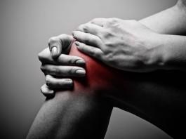 8 maneras naturales de reducir el dolor de huesos y articulaciones