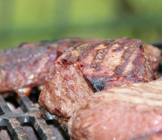 Comer carne aumenta el riesgo de cáncer de colon
