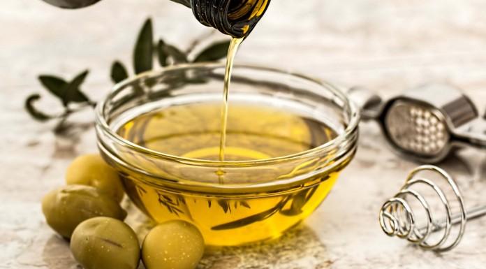 6 usos del aceite de oliva para la piel, el cabello y las uñas