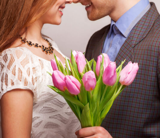 Por qué regalar flores no pasa nunca de moda